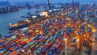 shipping containers global trade macro